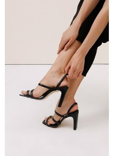 Gusto Çift Bantlı Topuklu Deri Ayakkabı - Ten Çift Bantlı Topuklu Deri Ayakkabı - Ten Siyah